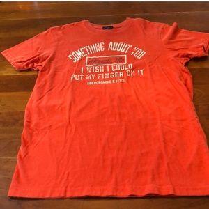 5/$20🤝 Abercrombie men's orange medium t shirt